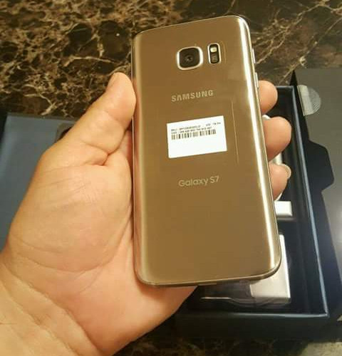 Galaxy S7 Edge Gold...Rs 29,500
